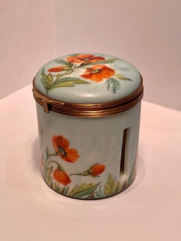 Fine Limoges France Hand Painted Poppy Flower Motif Postage Stamp Holder Box In Excellent Condition For Sale In Tustin, CA