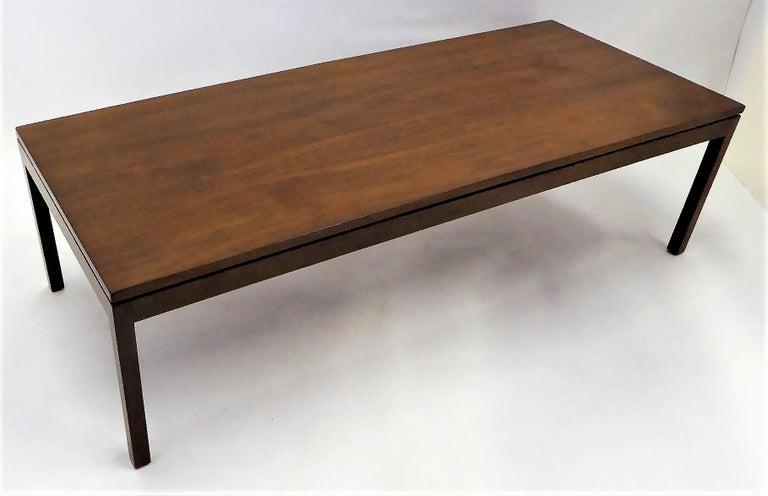 Mid-Century Modern Fine Long Figured Walnut Coffee Cocktail Table Camilo Miami, 1960s For Sale