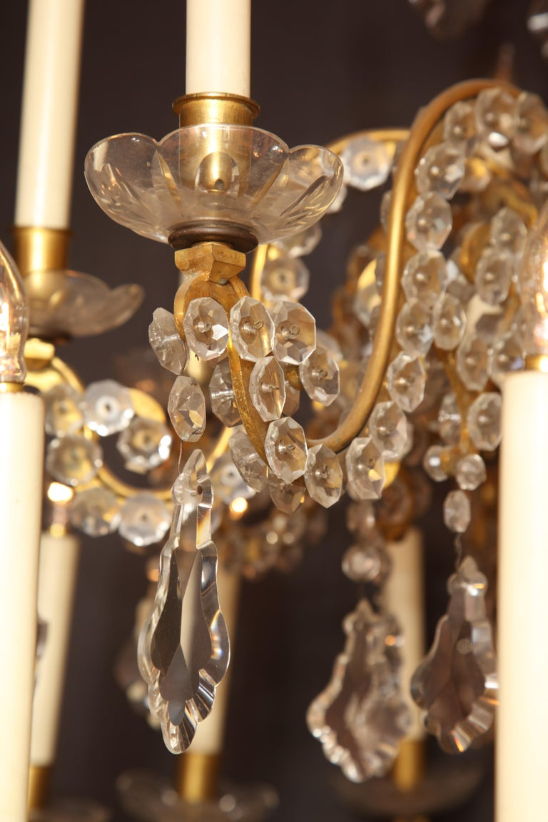 Fine Louis XV Crystal and Bronze 24-Light Chandelier For Sale 5