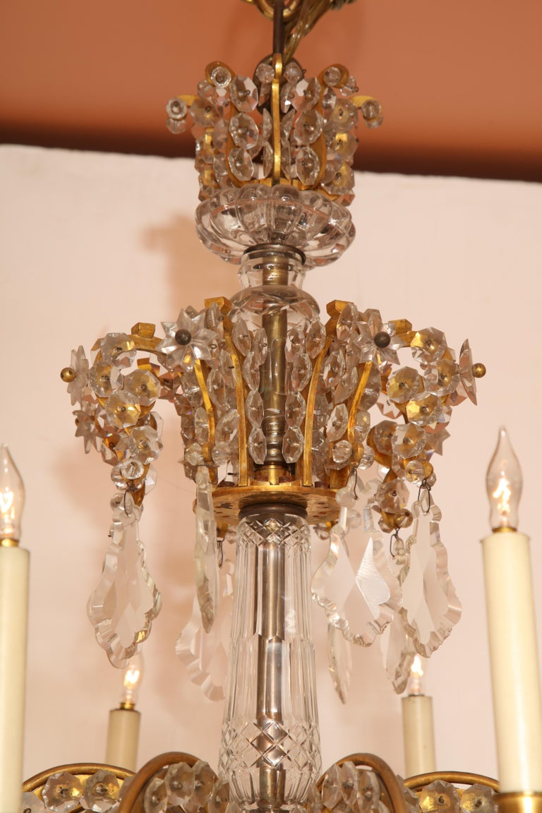 Fine Louis XV Crystal and Bronze 24-Light Chandelier For Sale 10
