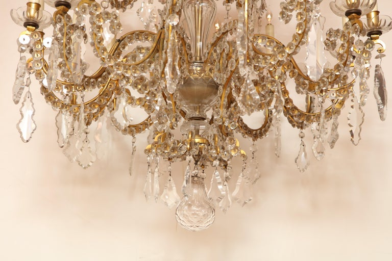 Fine Louis XV Crystal and Bronze 24-Light Chandelier For Sale 12