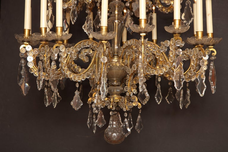 Fine Louis XV Crystal and Bronze 24-Light Chandelier In Good Condition For Sale In New York, NY