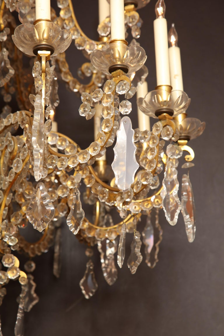 Fine Louis XV Crystal and Bronze 24-Light Chandelier For Sale 4
