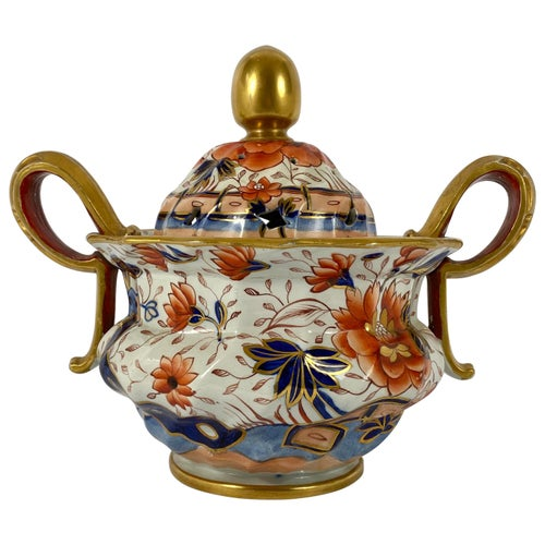 Fine Masons Ironstone 'Japan Pattern' Pot Pourri and Covers, circa 1820