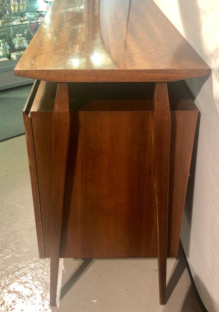 Fine MCM Gio Ponti Figured Walnut Cabinet Credenza Having Manufacturer Label For Sale 5