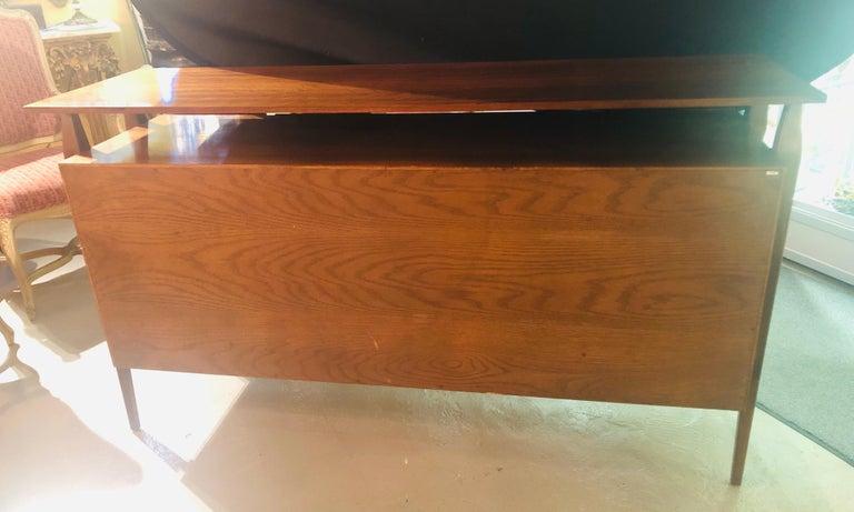 Fine MCM Gio Ponti Figured Walnut Cabinet Credenza Having Manufacturer Label For Sale 6