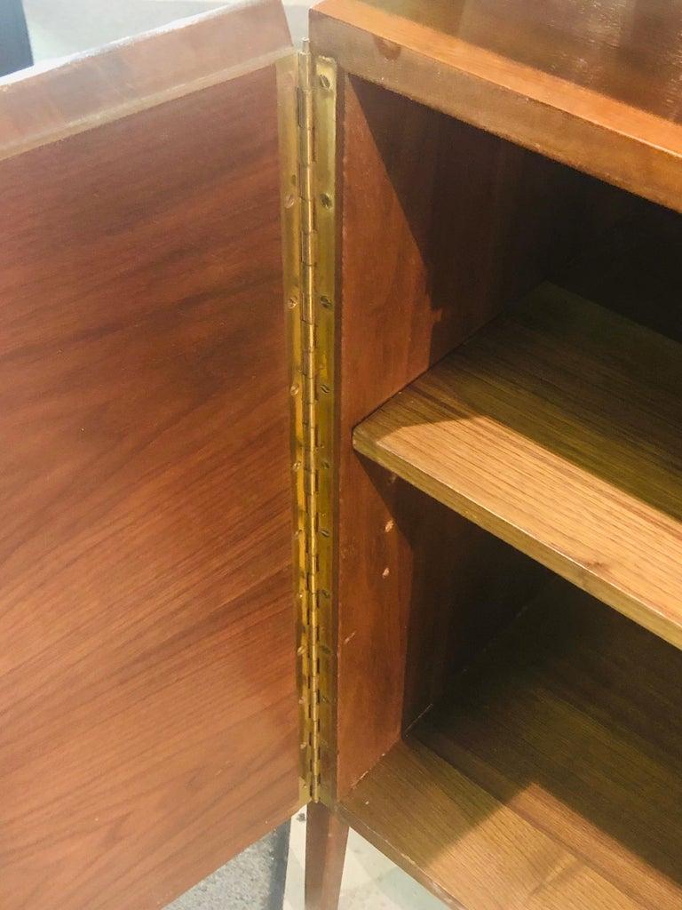 Fine MCM Gio Ponti Figured Walnut Cabinet Credenza Having Manufacturer Label For Sale 8
