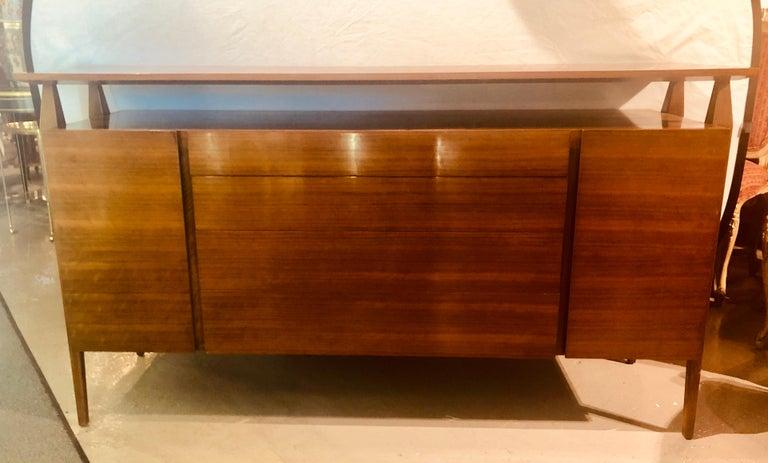 Fine MCM Gio Ponti Figured Walnut Cabinet Credenza Having Manufacturer Label For Sale 10