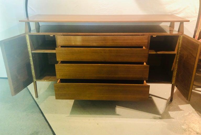 Fine MCM Gio Ponti Figured Walnut Cabinet Credenza Having Manufacturer Label For Sale 2