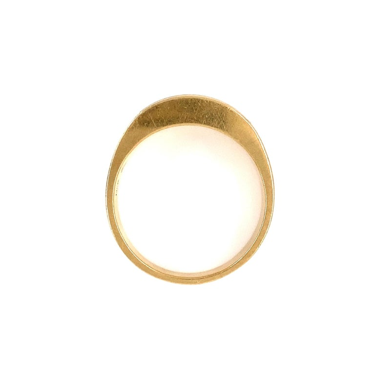 Fine Men's Sleek Onyx and Gold Dome Bar Ring Estate Fine Jewelry For Sale 1