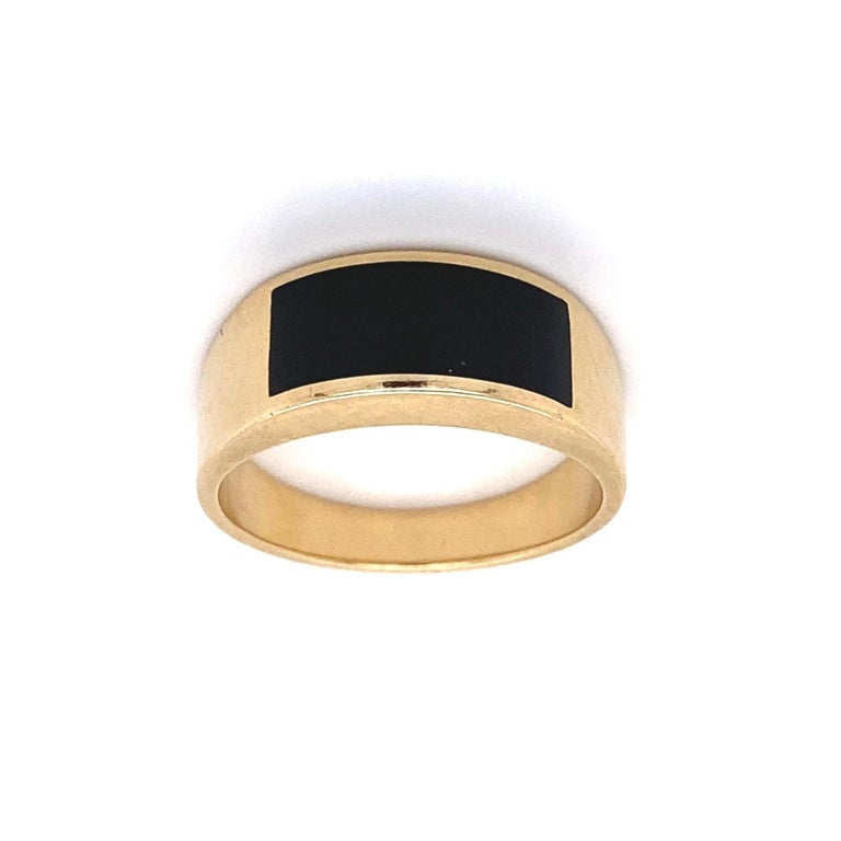 Fine Men's Sleek Onyx and Gold Dome Bar Ring Estate Fine Jewelry For Sale 2