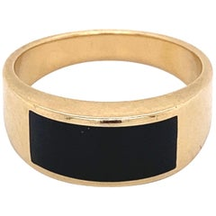 Fine Men's Sleek Onyx and Gold Dome Bar Ring Estate Fine Jewelry