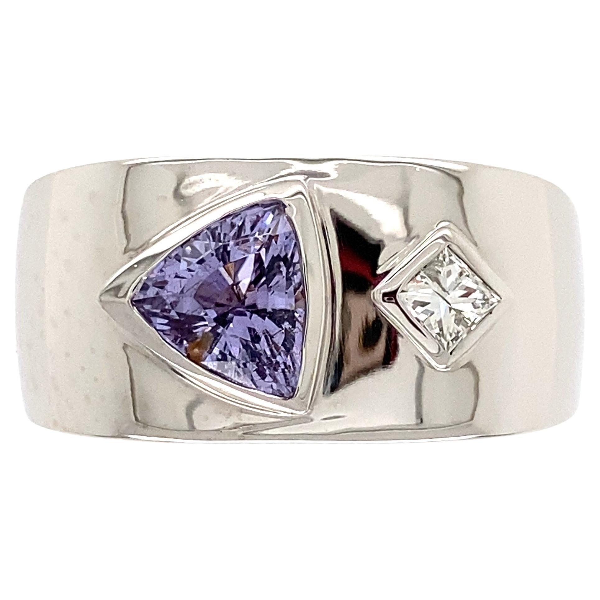 Fine Men's Trillion Spinel and Diamond Gold Signet Ring Fine Estate Jewelry