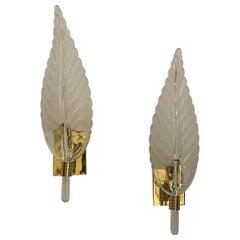 Fine Mid-Century Modern Polished Brass Murano Leaf Art Glass Seguso Pair Sconces
