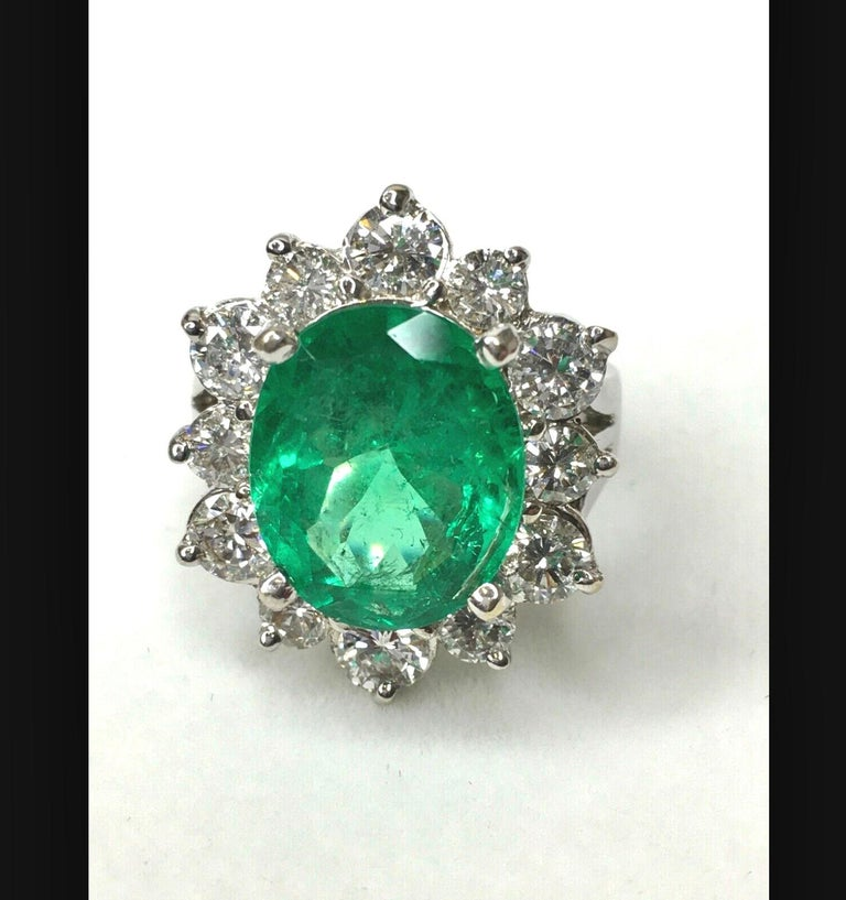 Fine Natural Colombian Emerald Diamond Ring 18 Karat White Gold For Sale 1