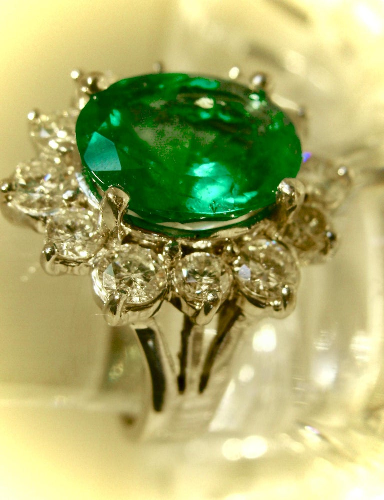 Fine Natural Colombian Emerald Diamond Ring 18 Karat White Gold For Sale 2