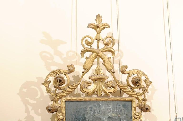 Fine Neoclassical Italian Giltwood Carved Dolphin Crest Mirror, circa 1780 In Good Condition For Sale In Atlanta, GA