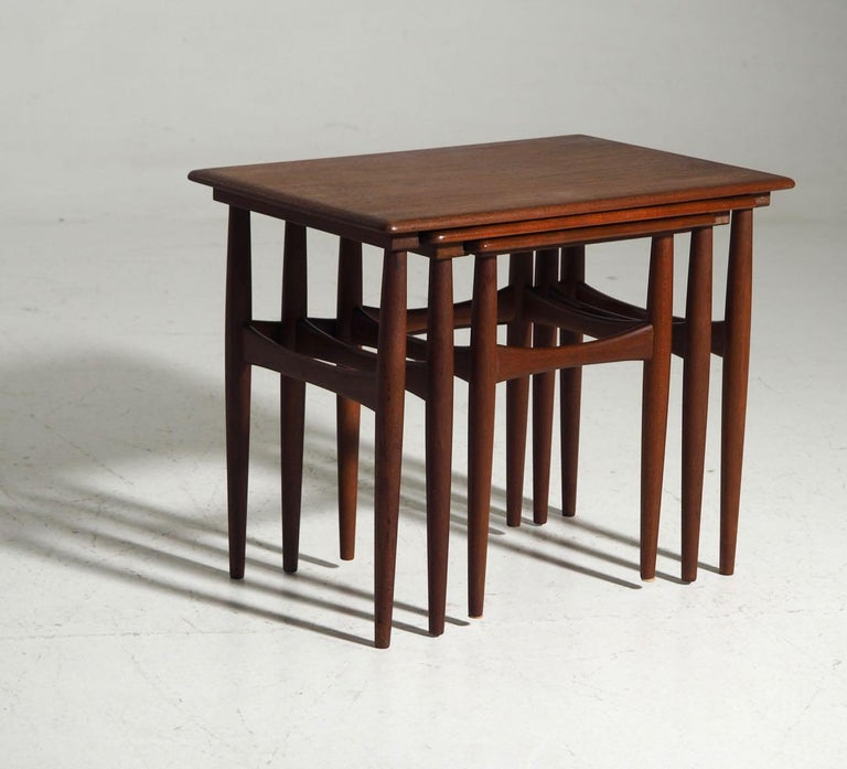 Fine Nesting Tables in Teak, Danish Architect, 1960s In Good Condition For Sale In Aalsgaarde, DK
