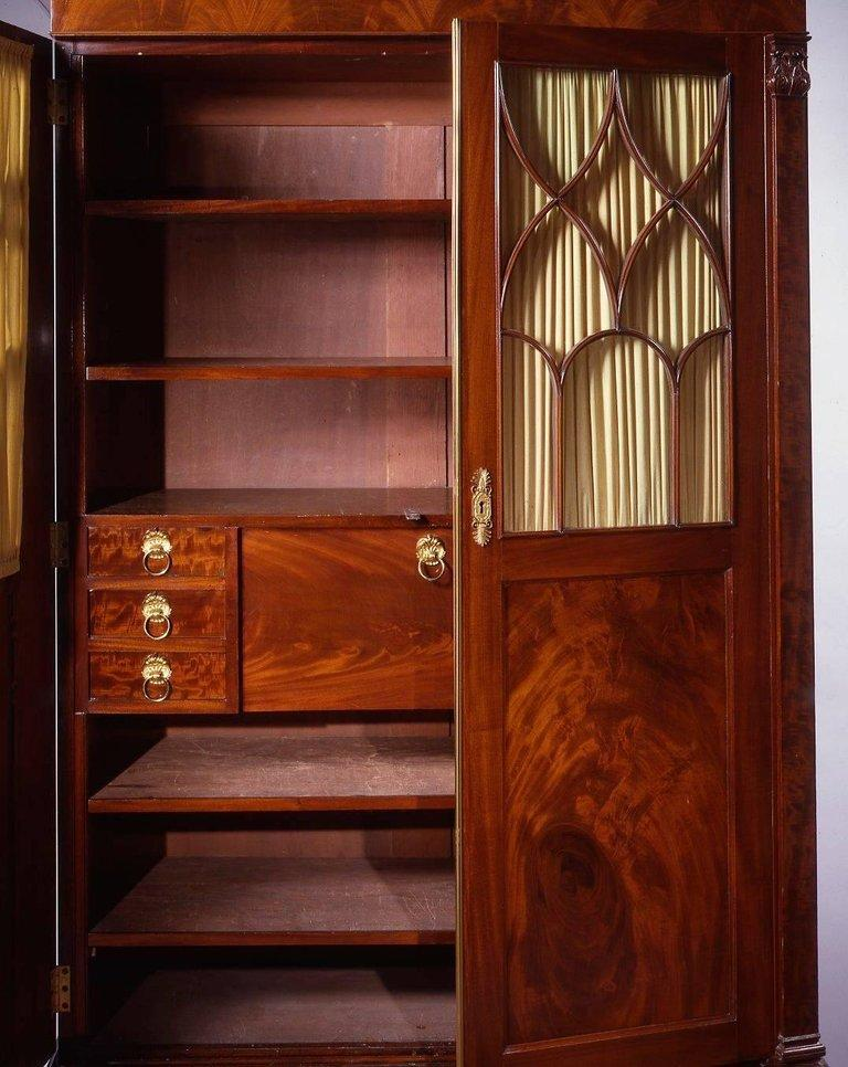 Fine New York Classical Mahogany Secretary Bookcase In Excellent Condition For Sale In New York, NY