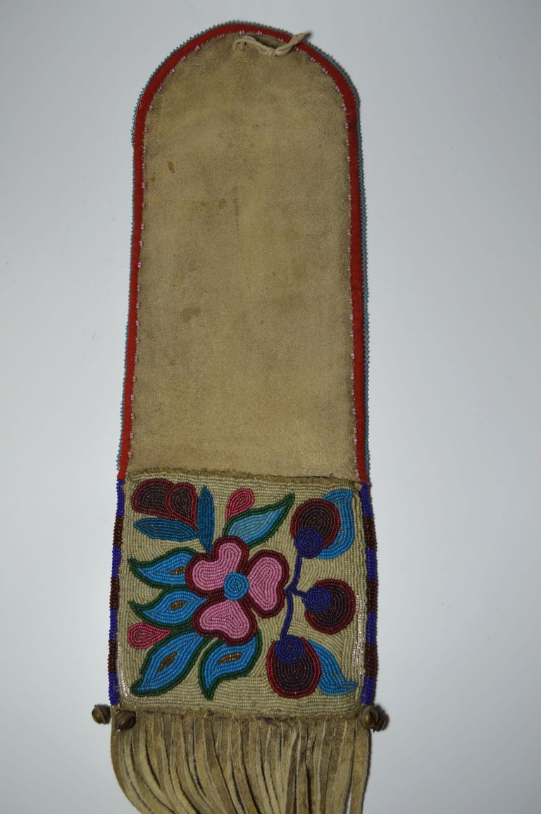 Early 20th Century Fine Old Native American Ojibwe Beaded Pipe bag For Sale