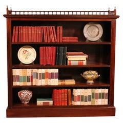 Fine Open Bookcase in Mahogany, Early 19th Century, England