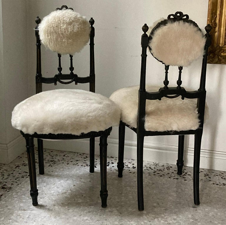 Fine Pair of Decorative Black Chairs with White Wool , Sicily Italy 1920's For Sale 3