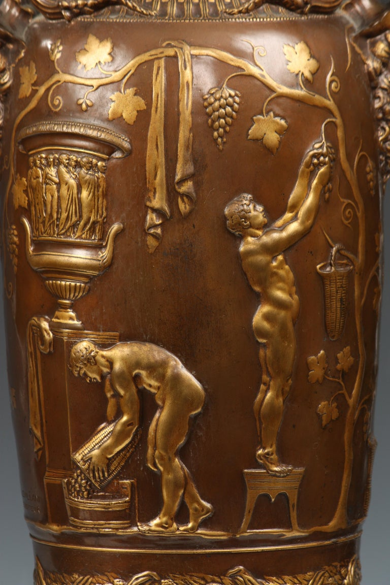 Fine Pair of Neo-Greek Vases by F. Levillain and F. Barbedienne In Good Condition For Sale In PARIS, FR