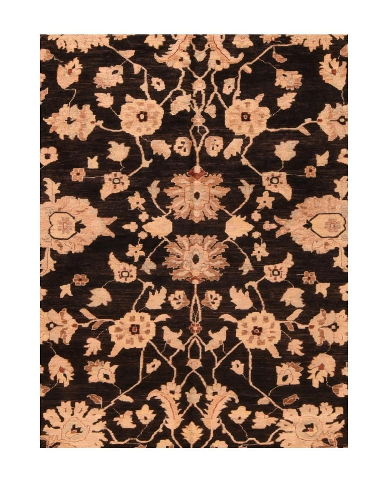 Fine Peshawar Pakistani rug, hand knotted  Design: Floral  A Pakistani rug (Pak Persian rug or Pakistani carpet) is a type of handmade floor-covering textile traditionally made in Pakistan.  Peshawar rugs, also called Ghazni rugs or Chobi rugs