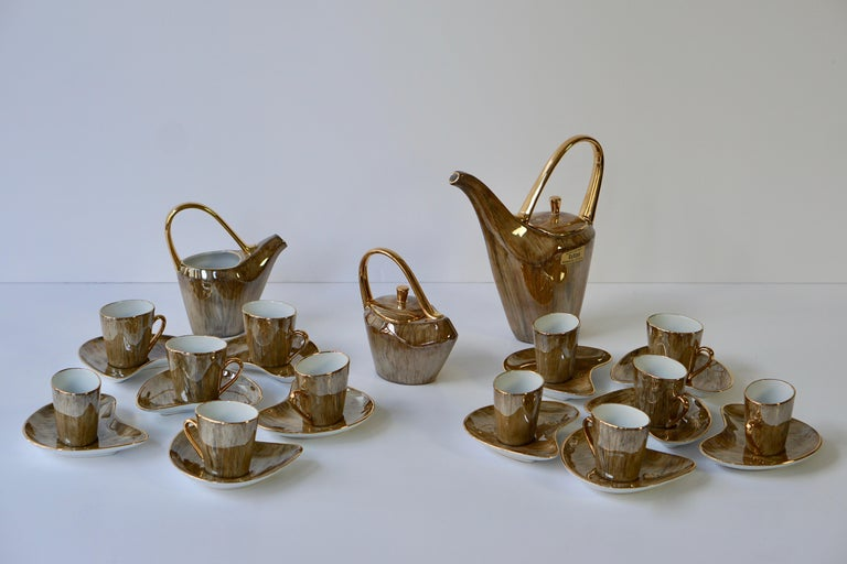 Fine Porcelain Tea and Coffee Set For Sale 13