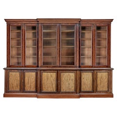 Fine Quality 19th Century Mahogany Breakfront Bookcase of Large Proportions