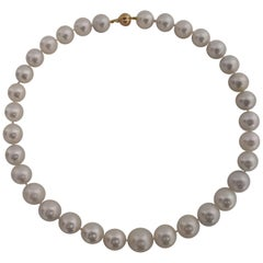 Fine Quality Choker White South Sea Pearl Necklace, Round, 18 Karat Gold