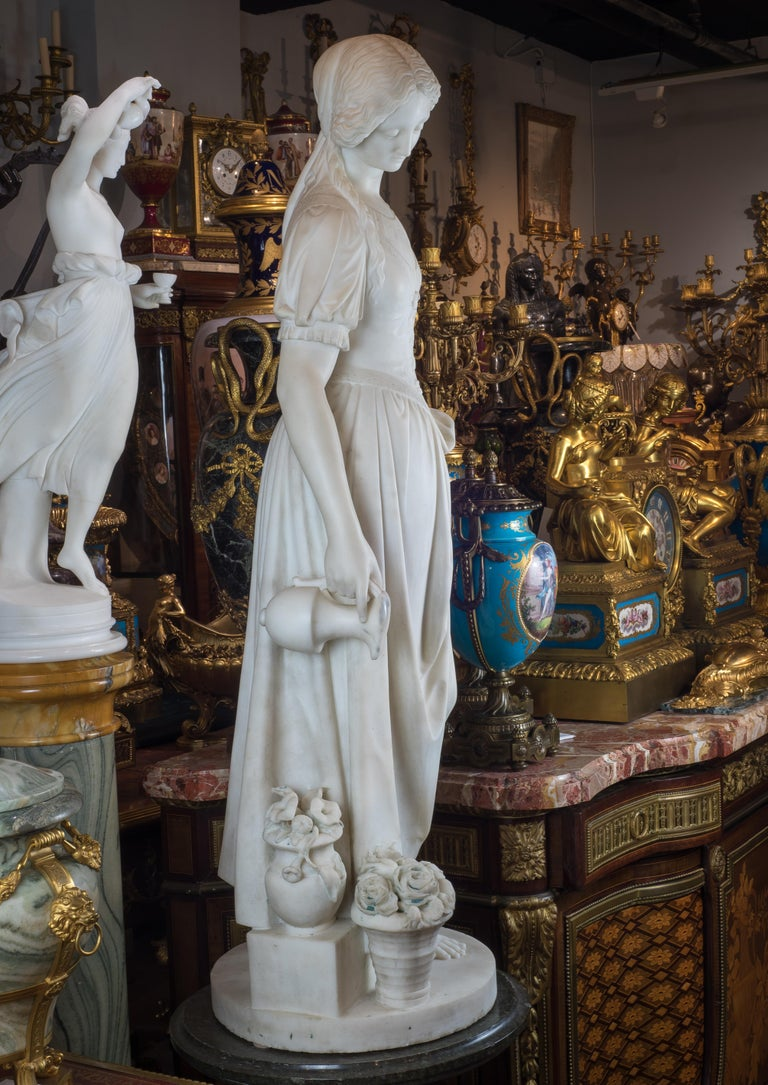 Fine Quality Italian Carrara Marble Statue of a Young Beauty In Good Condition For Sale In New York, NY