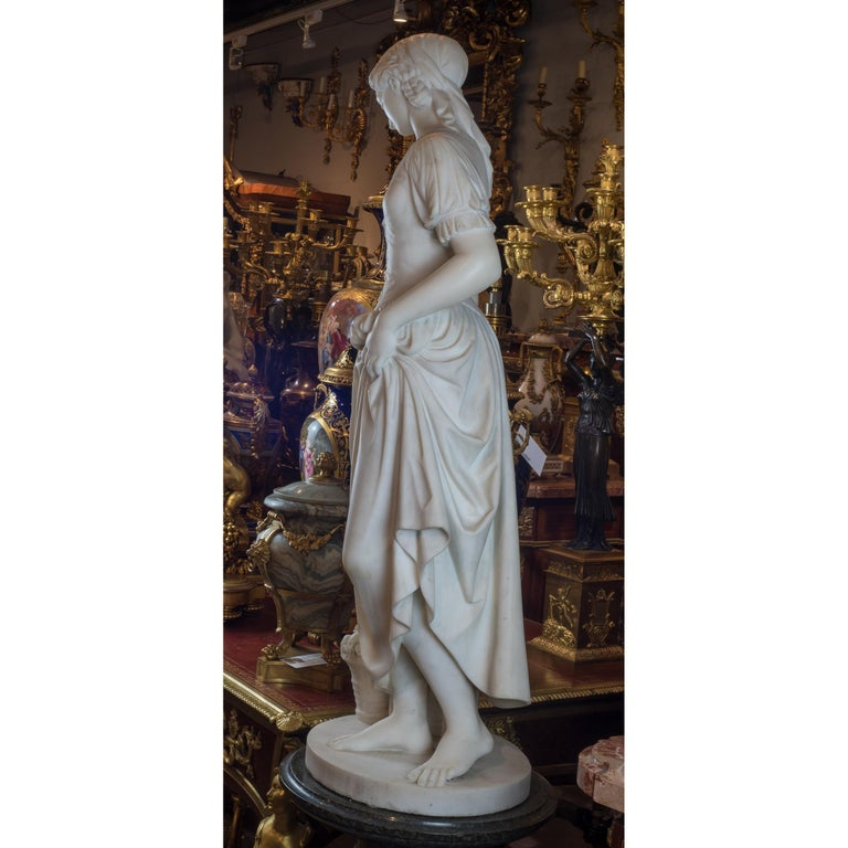 19th Century Fine Quality Italian Carrara Marble Statue of a Young Beauty For Sale