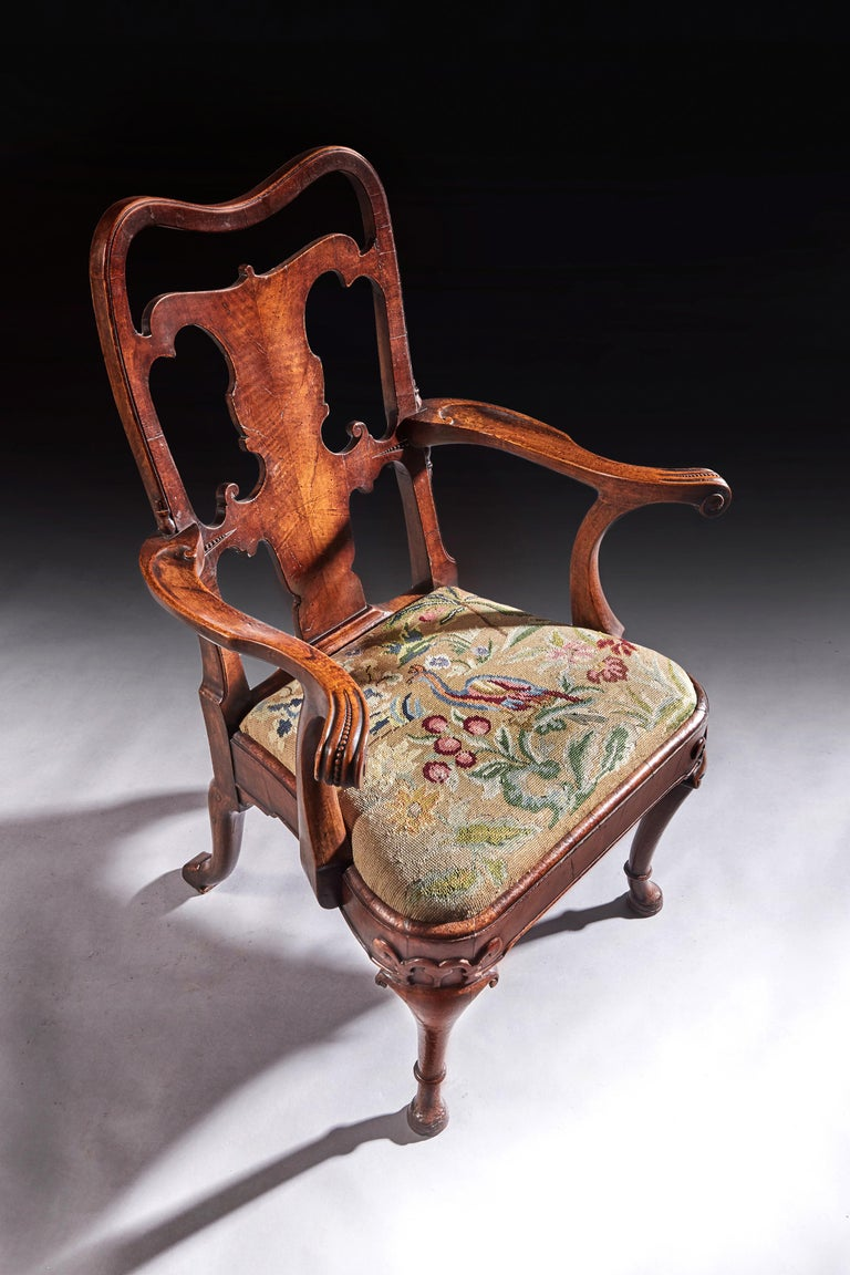 English Fine Quality Mid 19th Century Walnut Open Armchair For Sale