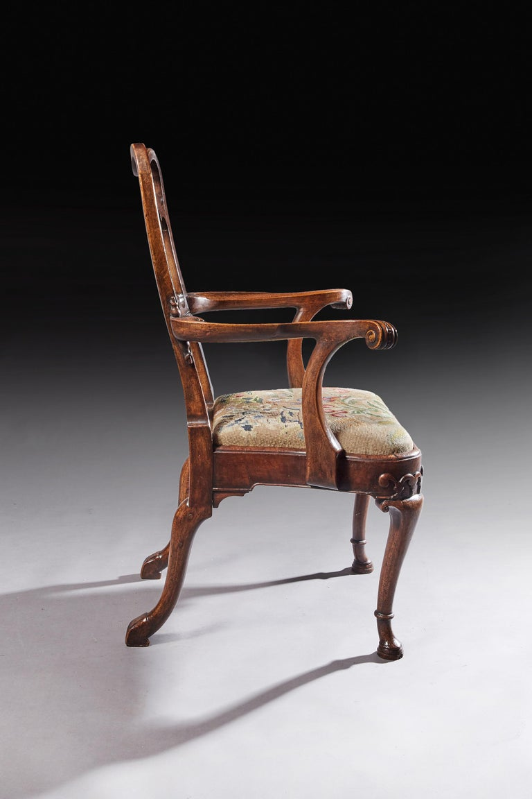 Fine Quality Mid 19th Century Walnut Open Armchair For Sale 2