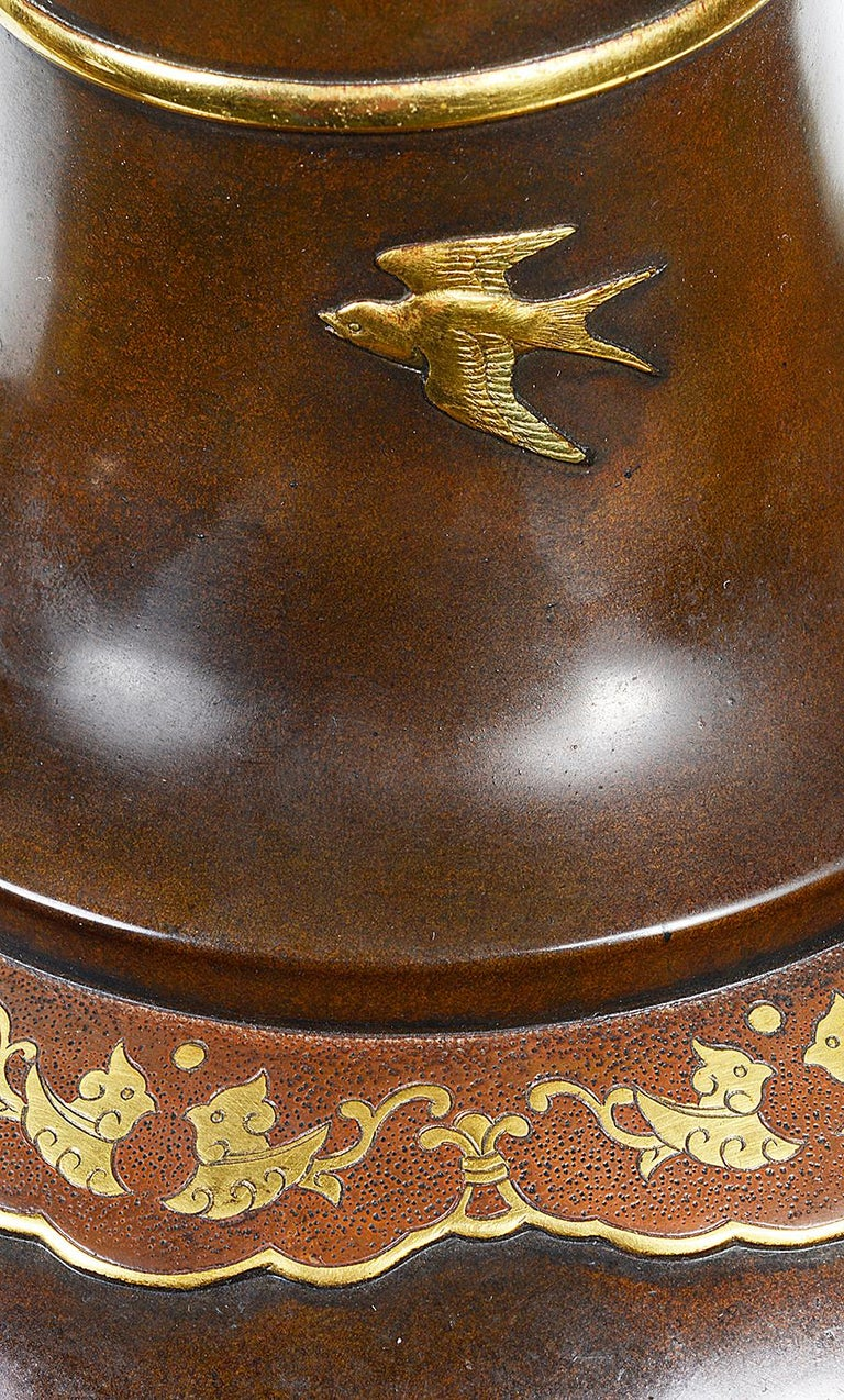 Fine Quality Pair of Miyao Japanese Bronze Vases For Sale 5