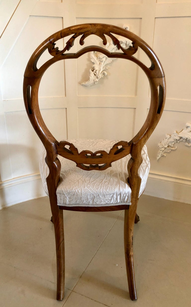 Fine Quality Set of Six English Victorian Antique Walnut Dining Chairs For Sale 3