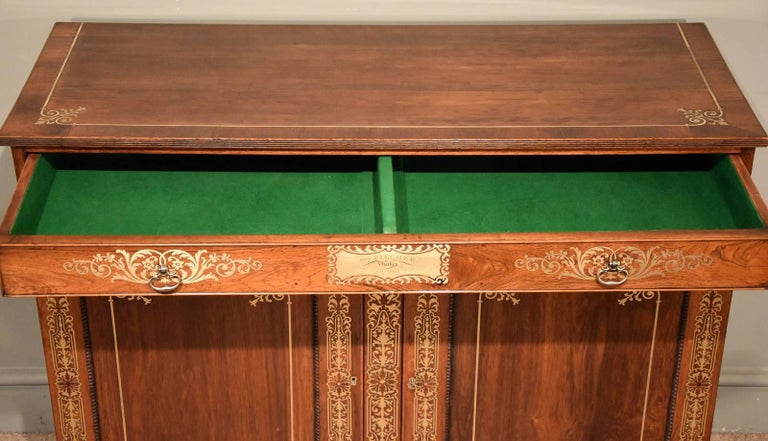 Fine Regency Period Rosewood Brass Inlaid Side Cabinet by Pitcher In Good Condition For Sale In Wiltshire, GB