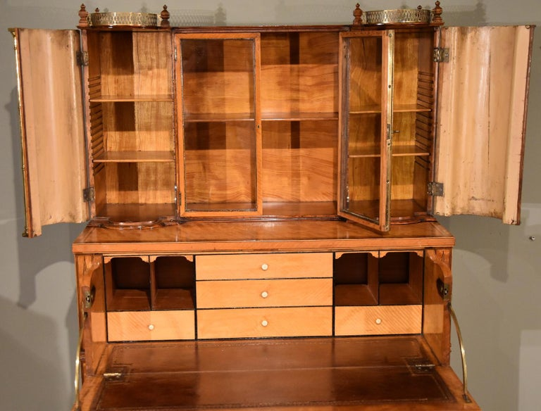 Fine Regency Satinwood Secretaire Cabinet In Good Condition For Sale In Wiltshire, GB