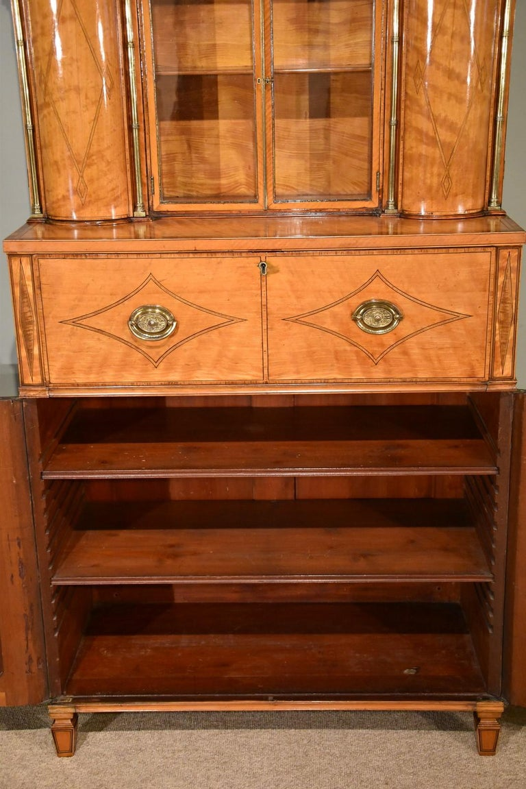 Early 19th Century Fine Regency Satinwood Secretaire Cabinet For Sale