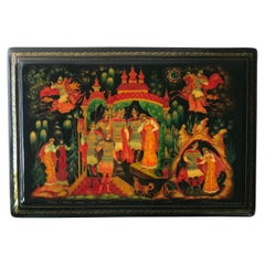 Fine Russian Lacquer Vanity Box from Palekh with Gold Leaf Painting