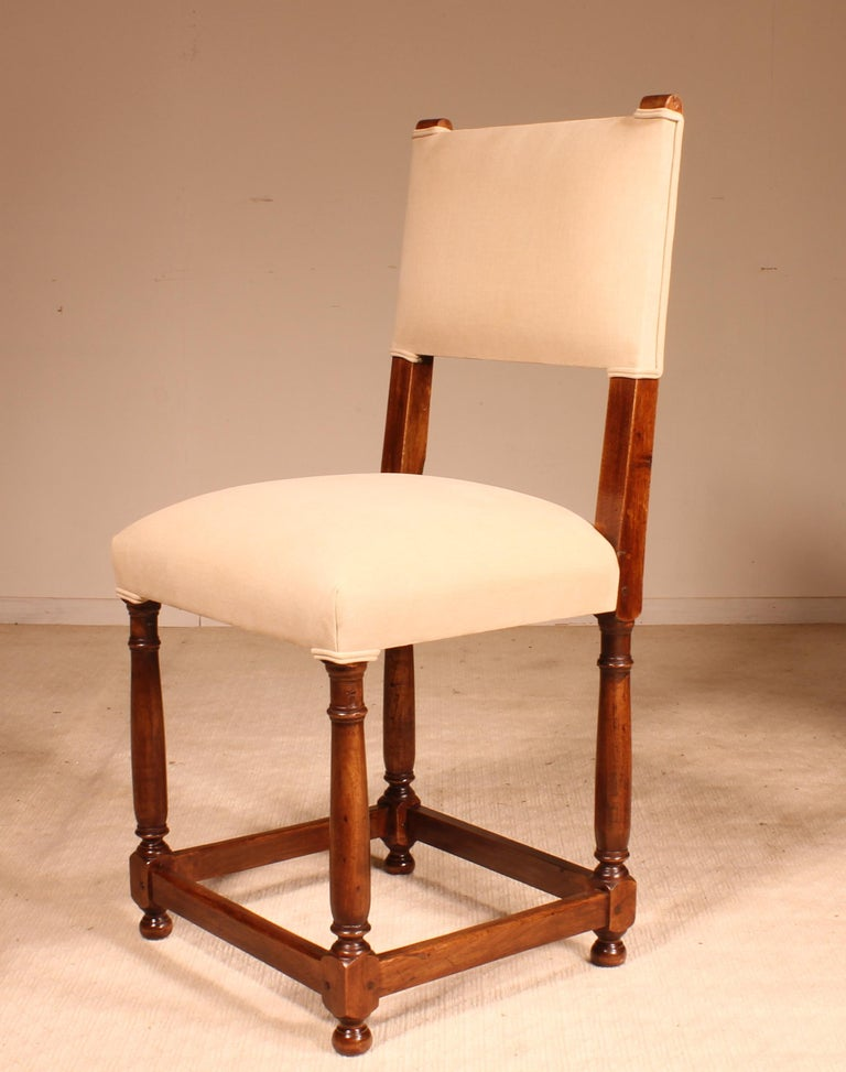 Fine Set of 8 Chairs Louis XIII Style in Walnut In Excellent Condition For Sale In Brussels, Brussels
