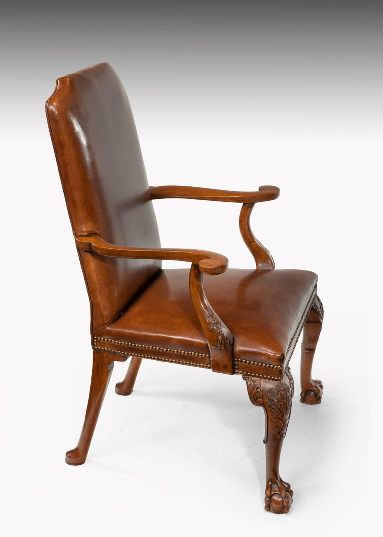 Fine Set of Eight Walnut and Leather Cabriole Leg Dining Chairs Queen Anne Style For Sale 4