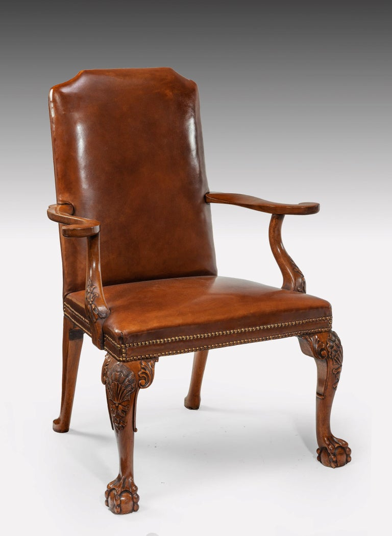 Early 20th Century Fine Set of Eight Walnut and Leather Cabriole Leg Dining Chairs Queen Anne Style For Sale