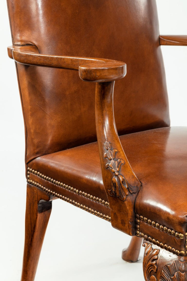 Fine Set of Eight Walnut and Leather Cabriole Leg Dining Chairs Queen Anne Style For Sale 2