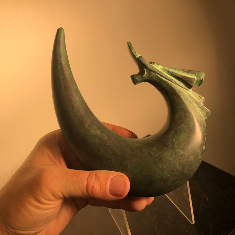 An important artist signed Dragon Sculpture.  Here's a lovely and unique way to accent your indoor display space or outdoor garden space with this very unusual treasure from Japan!   This is an attractive solid and finely hand cast bronze effigy