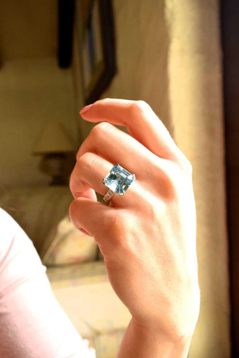 Contemporary Fine Special Cut Aquamarine Diamond 18K Gold Solitaire Ring For Sale