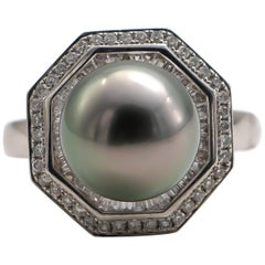 Fine Tahitian Pearl Ring with 1.70 Carat Diamonds 18 Karat Gold