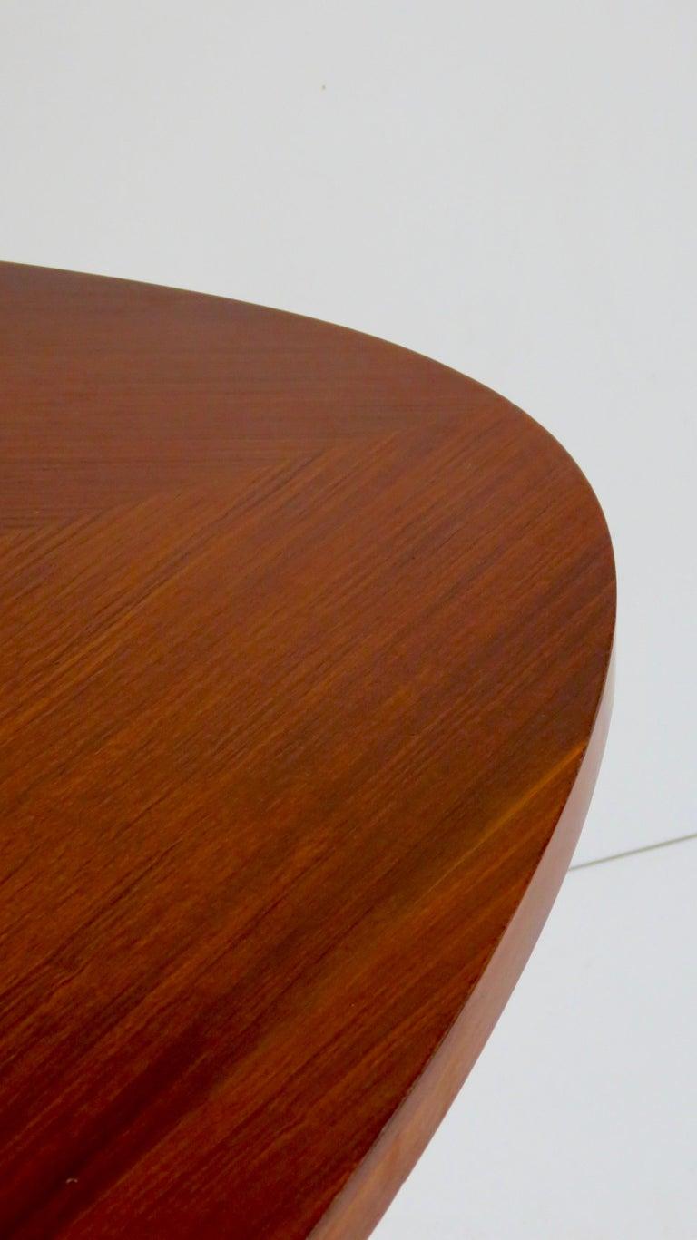 Fine Three Feet Silvio Cavatorta Large Teak Triangular Round Dining Table, 1950 For Sale 3