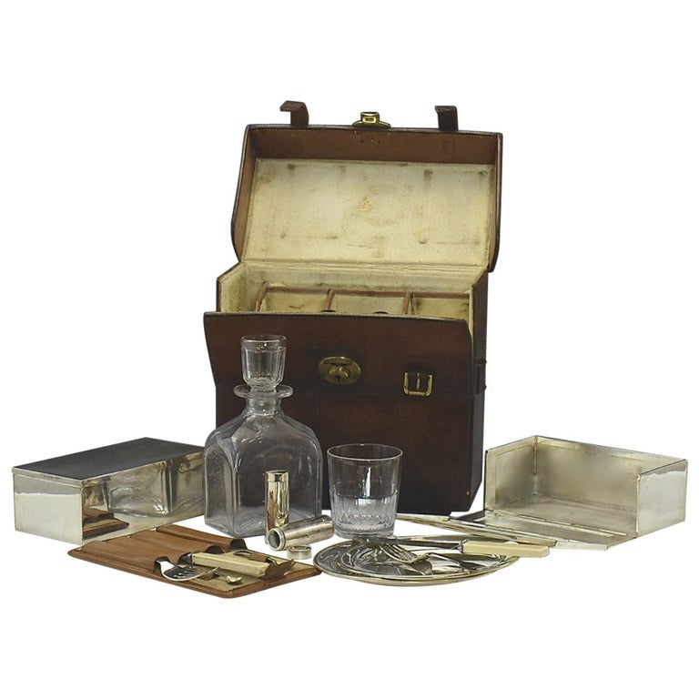 Fine Victorian 19th Century Leather Picnic Set by Thornhill For Sale